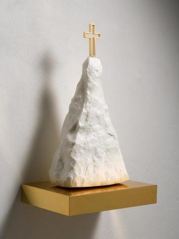 Michele Chiossi Holy P.R., 2007  marmo statuario, ottone dorato scultura Parmigiano Reggiano santuario montagna rifugio croce sacralità food cibo vetta
