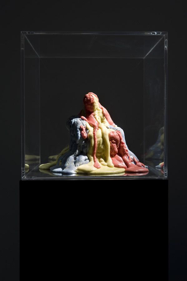 Michele Chiossi Sorbet Pietas, 2009  poliuretano, pigmenti, plexiglass Pietà Michelangelo omaggio tributo gelato sorbetto amore materno Cristo Madonna Gesù scioglievolezza discioglimento scultura