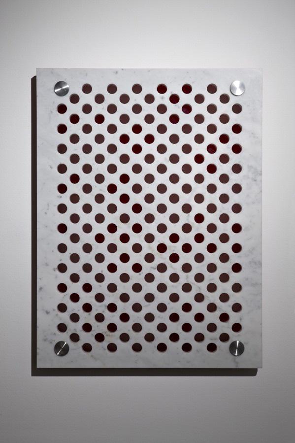Michele Chiossi marmo plexiglas acciaio dot astrazione percezione optical punto scultura rosso led