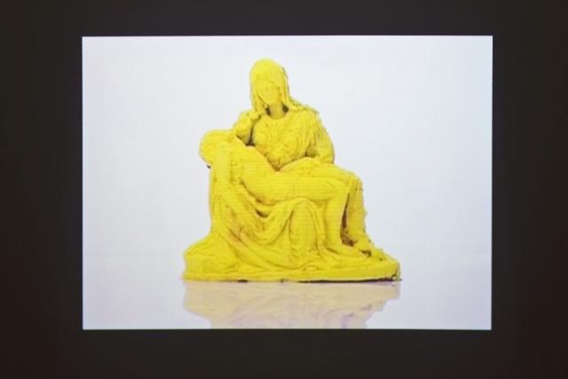 Michele Chiossi THEORY OF COLORS,  New York 1996-Milan 2009 Format DVD video Pietà di Michelangelo gelato scultura Teoria del colore Goethe dissolvenza forma astrazione discioglimento Cristo Gesù Madonna
