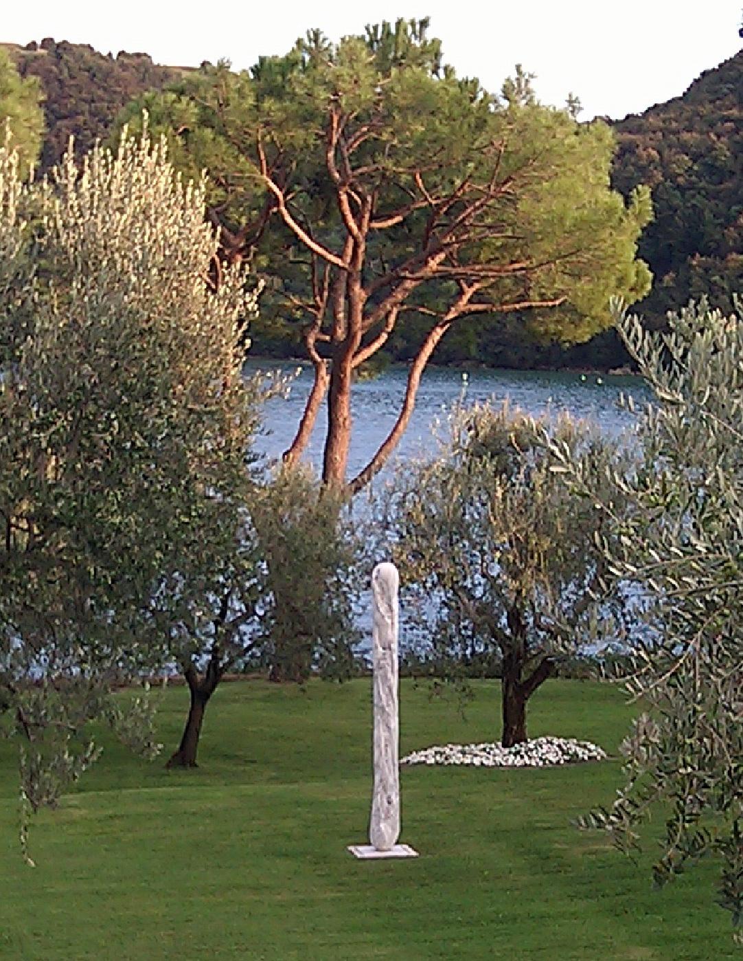 Michele Chiossi Daily, 2007  marmo Arabescato Faniello, smalto baguette dacci oggi il nostro pane quotidiano food scultura