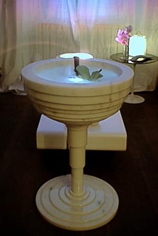 Michele Chiossi TERRAZZA MARTINI, 2002  marmo statuario, pompa idraulica, acqua fontana zampilli zigzag coppa di Champagne scultura acqua Milano lounge
