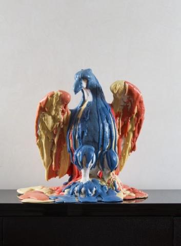 Michele Chiossi EAGLE SUNDAE, 2013 cemento,  poliuretano, pigmenti, aquila dissolvenza scioglievolezza gelato scultura allegoria USA