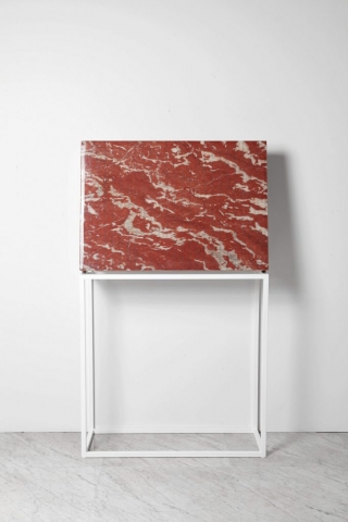 SUBABSTRACTION (red), 2017 marmo Rouge Francia Languedoc, pizzo, resina 100x70x10 cm quadro zigzag astrazione