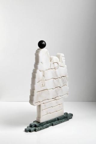 FORGET IT/LASCIA PERDERE, 2018 marmo statuario, verde Guatemala, nero Belgio 60x50x10 cm Snoopy scultura zigzag marmo