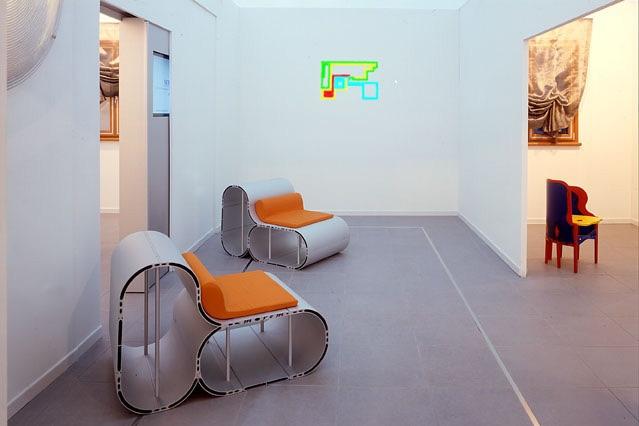 Michele Chiossi W.T.O., video installazione FUTURSHOW, 2004 zigzag pixel disegno