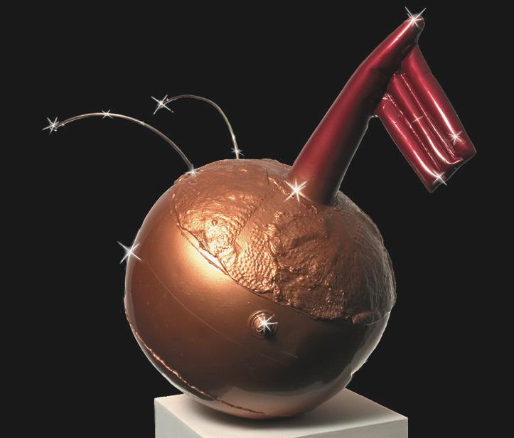 Michele Chiossi :GLOW-BALL, 2004 vetroresina, ottone cromato, metal enameling  scultura zoomorfa boa galleggiante pelle di pollo antenne bandiera Apelle figlio di Apollo