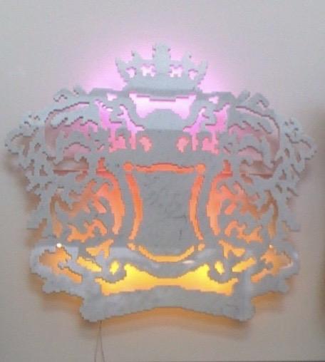 Michele Chiossi HERALDRY, 2009  marmo statuario, acciaio, neon  scultura blasone stemma nobiltà zigzag pixel reali sfumato alba sole che sorge