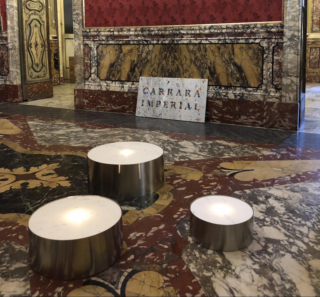 Michele Chiossi JUDD TEA LIGHT, 2019 marmo statuario, acciaio luce candela lumino Scultura reverie minimalismo Donald installazione